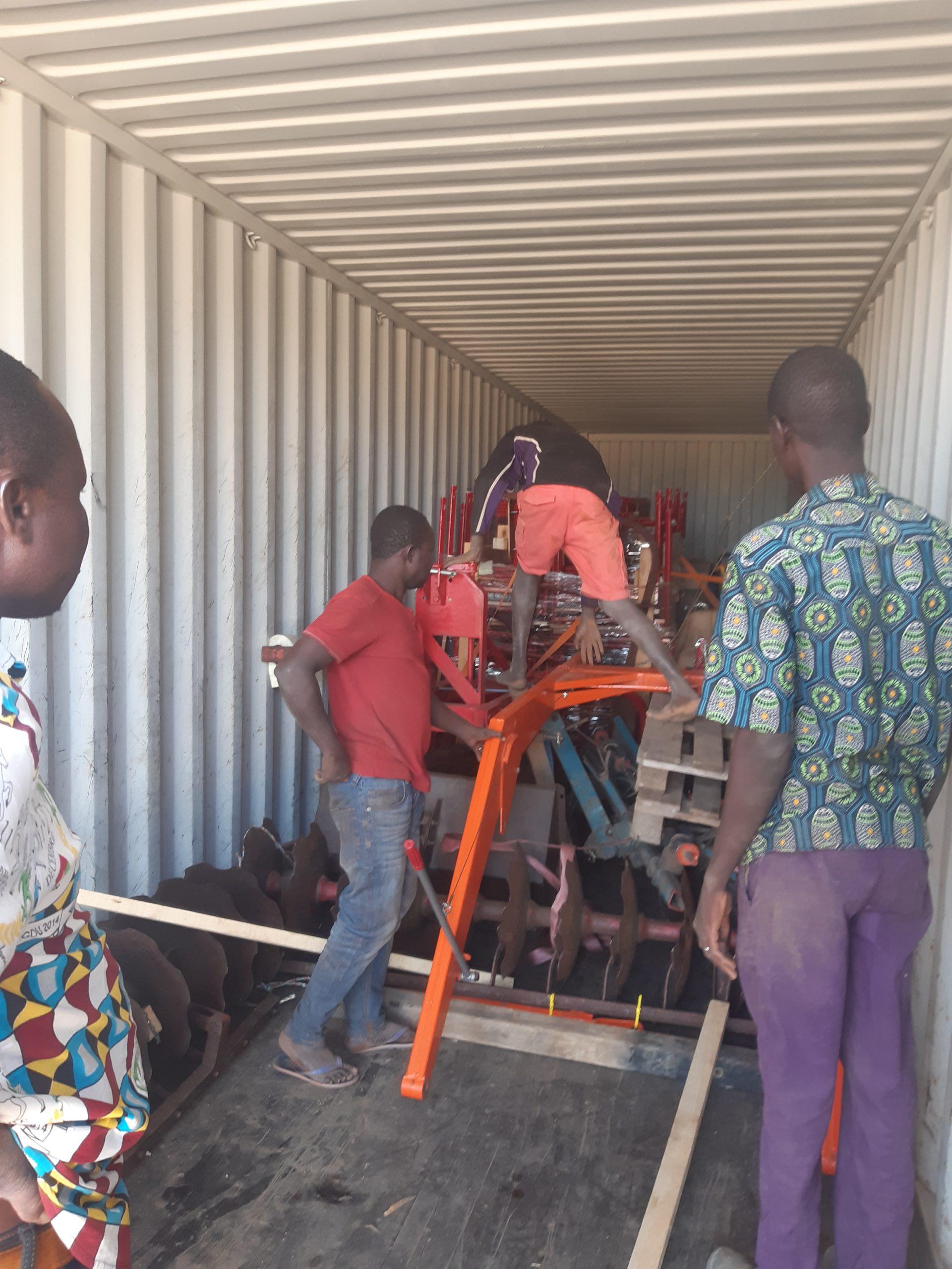 Udpakning i Burkina Faso