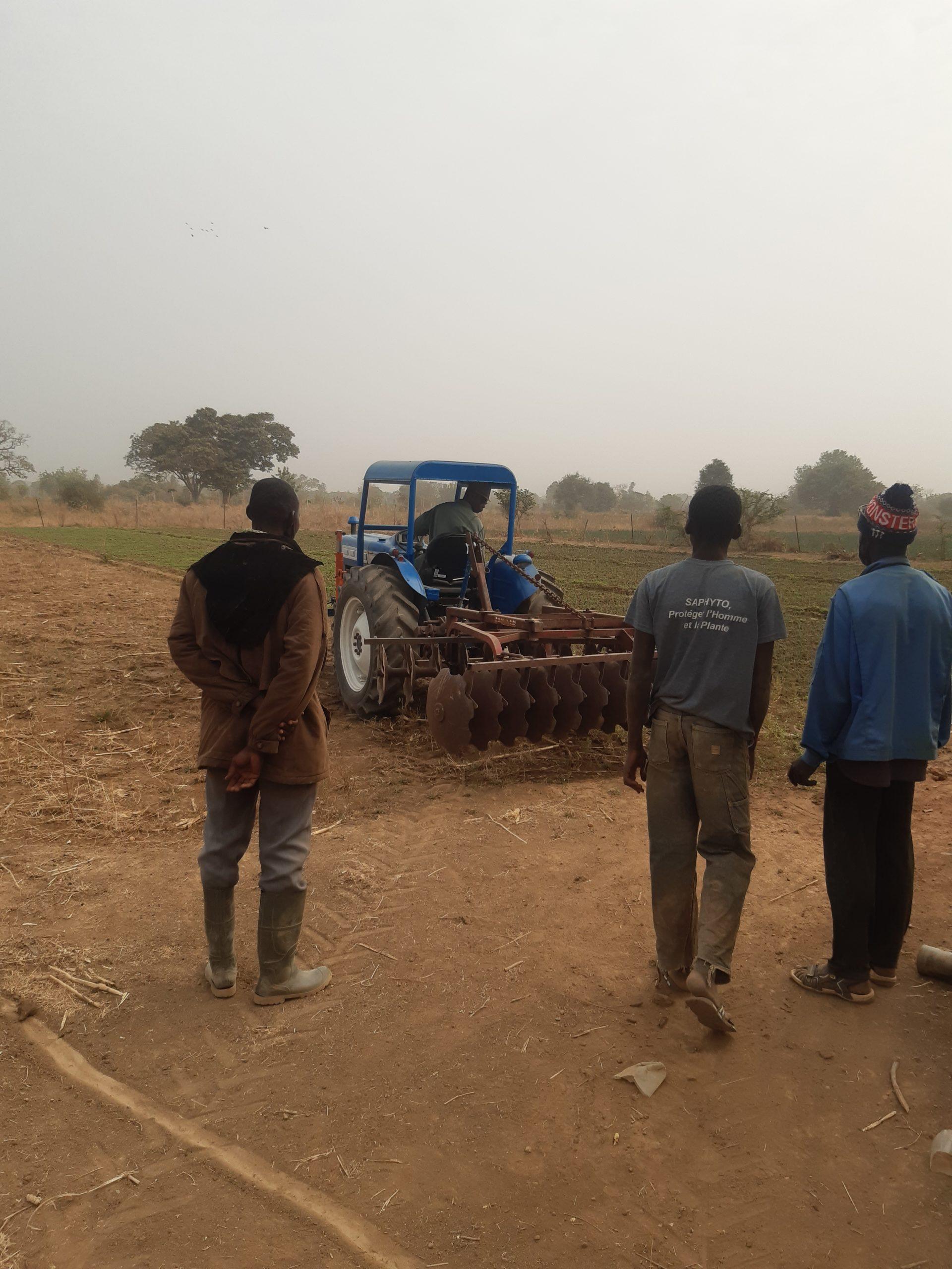 Traktoren på arbejde